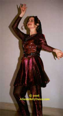 an overview of belly dancing From modern egyptian, american tribal and folkloric belly dance to the new goth fusion bellydance styles, learn-to-belly-dancecom offers a look at the various belly.
